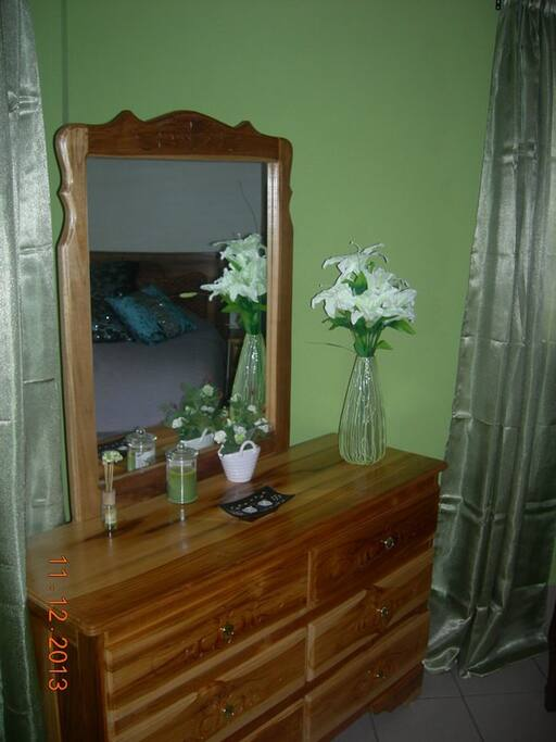 The Green Room Dresser