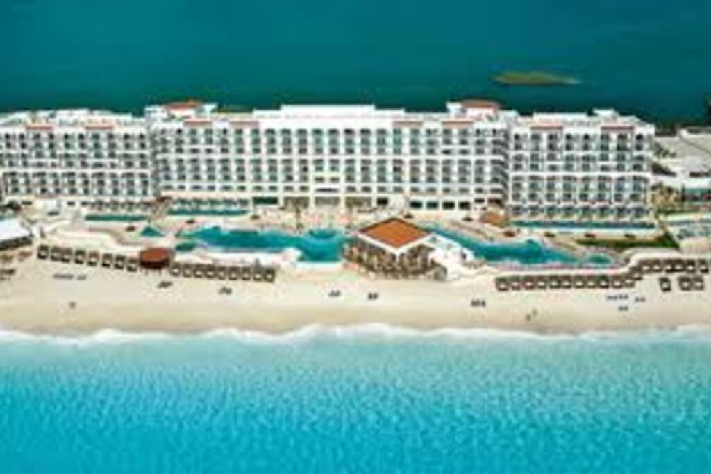 Arial view, as you can see all the rooms face the ocean!!!