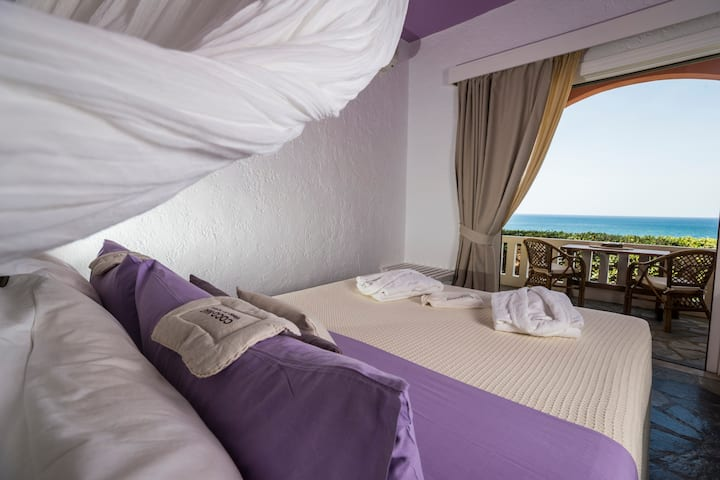 Seaview apartment with all-natural bed by coco-mat