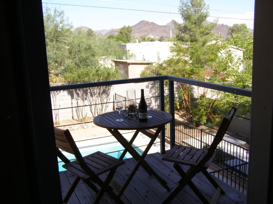 Enjoy wine or beverage on the balcony enjoying  the mountain views east.