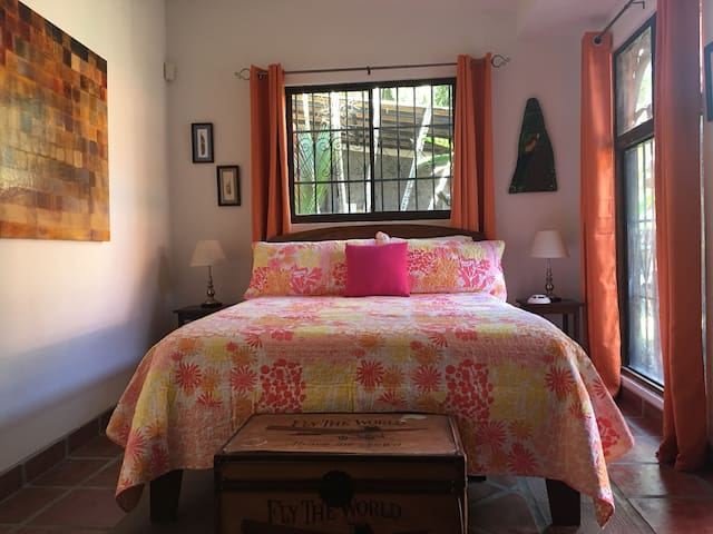 The Guest Room at Casa Colonial - Tamarindo - Dům