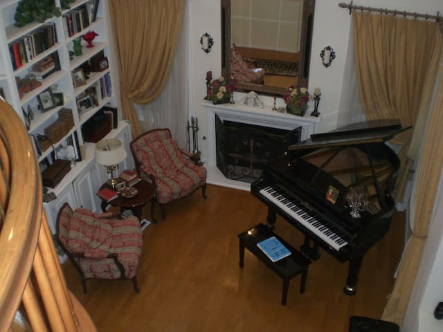 Beautiful room near Bacara hotel and UCSB