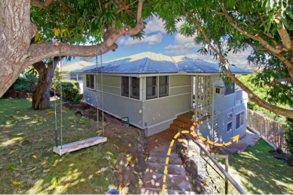 Spacious studio w 2 full baths free parking houses for for Hawaii home building packages