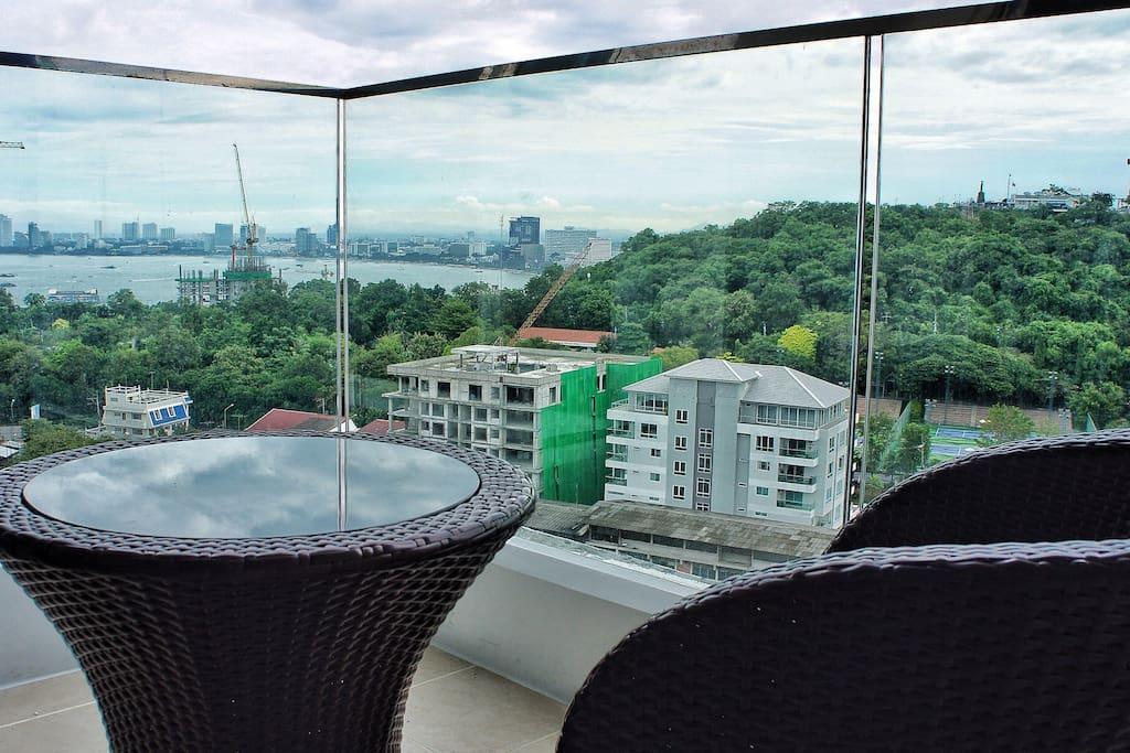 Have your morning coffee on the deck, overlooking Pattaya bay.