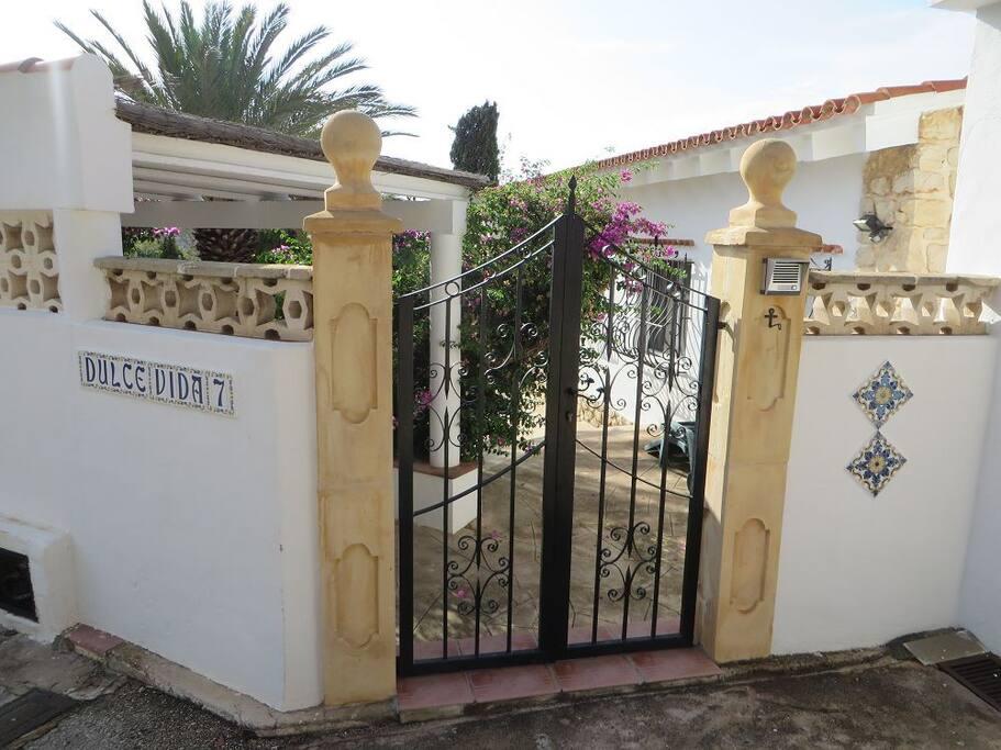 Eingang/entrée Dulce Vida