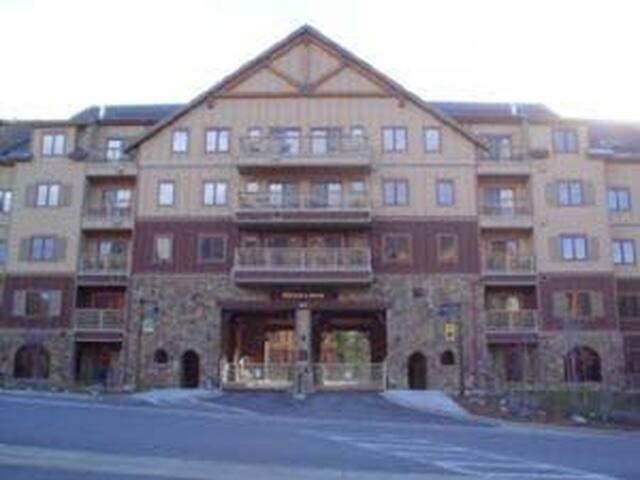 Red Hawk Lodge 1 bd 1 ba VIEWS!! - Dillon - Daire