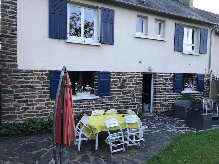 Une chambre entre Broceliande et Rennes