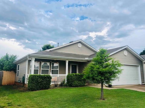 Cozy home by Quail Springs, Top Golf, St. Anthony