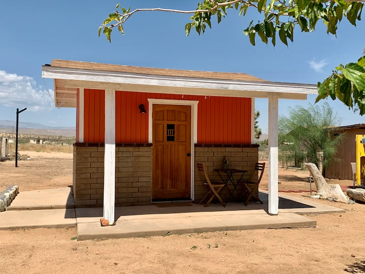 The Sugar Shack- Pet Friendly Desert Glamping