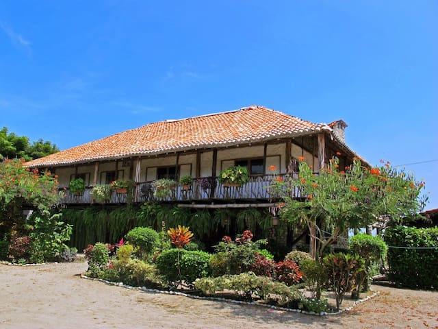Casa en la playa frente al mar Las Tunas - Ayampe - House