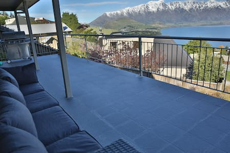 Room with Fantastic view Mtn @ Lake - Queenstown