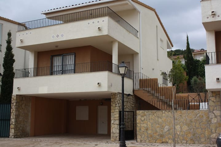 Villa 3 bedroms, swimming, sea
