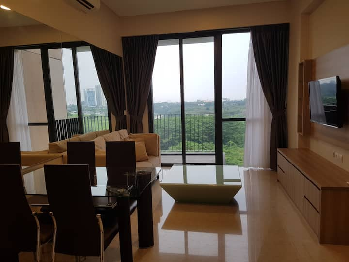 2 BR+1 Maid Marigold Apt in Navapark Higher Living