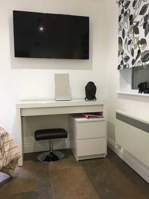 Dressing table / work desk/ WiFi and large LCD SMART TV