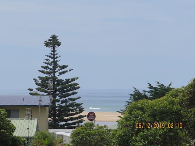 Modern house, 200 meters from the waters edge. - Lake Tyers Beach - Casa