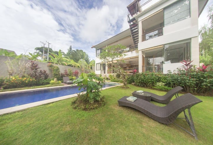 Deluxe Suite ★ Near Canggu's Beaches and Hotspots