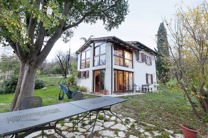 Luxurious Cottage in Vò with Garden