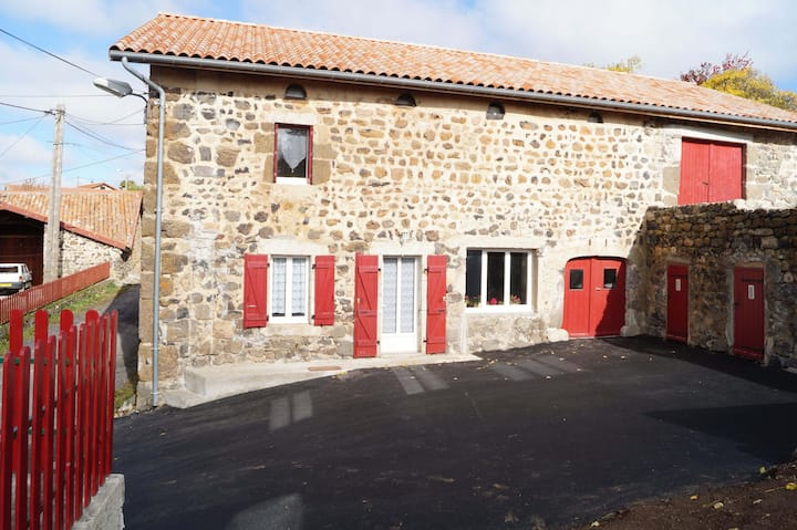 Renovated countryside house in Villeverte