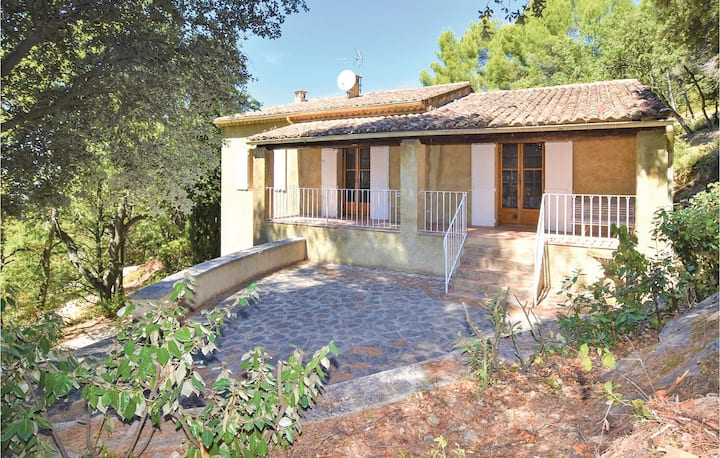 Beautiful home in Sablet with WiFi and 2 Bedrooms