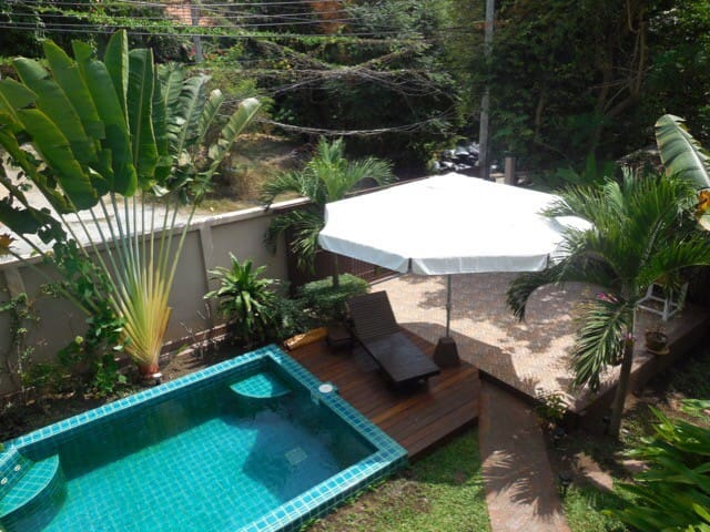 Tropical 2 Bed Home & Private Pool
