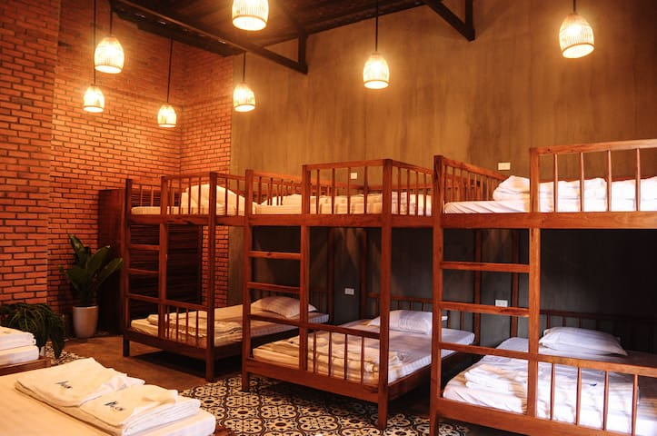 Dorm 9-bedrooms - Paksong Farmstay - Pleiku City