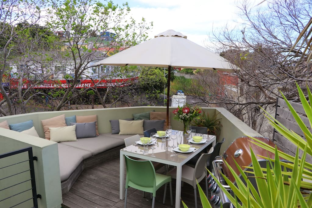 3 bedroom designer pad under table mountain views for Maison pad