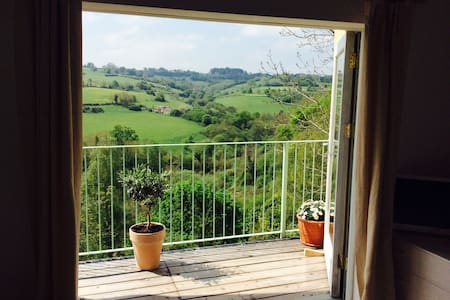 Cotswold Studio ~ wonderful views - Nailsworth - 아파트