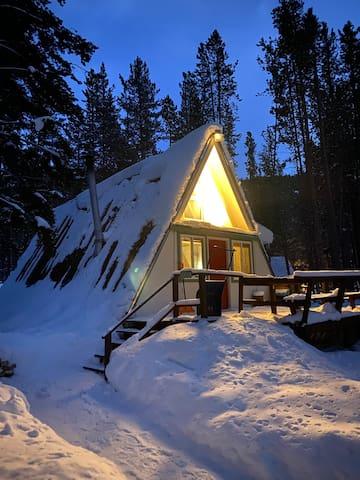 A frame Ski Cabin. Four Miles from Breckenridge.