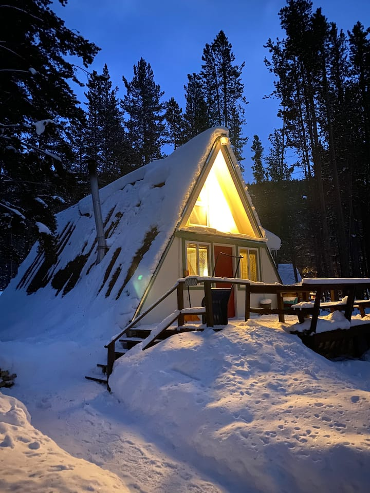 A frame Ski Cabin. Four Miles from Breckenridge.