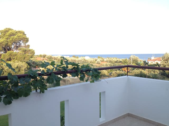 Sea view beautiful townhouse - Elia Nikitis