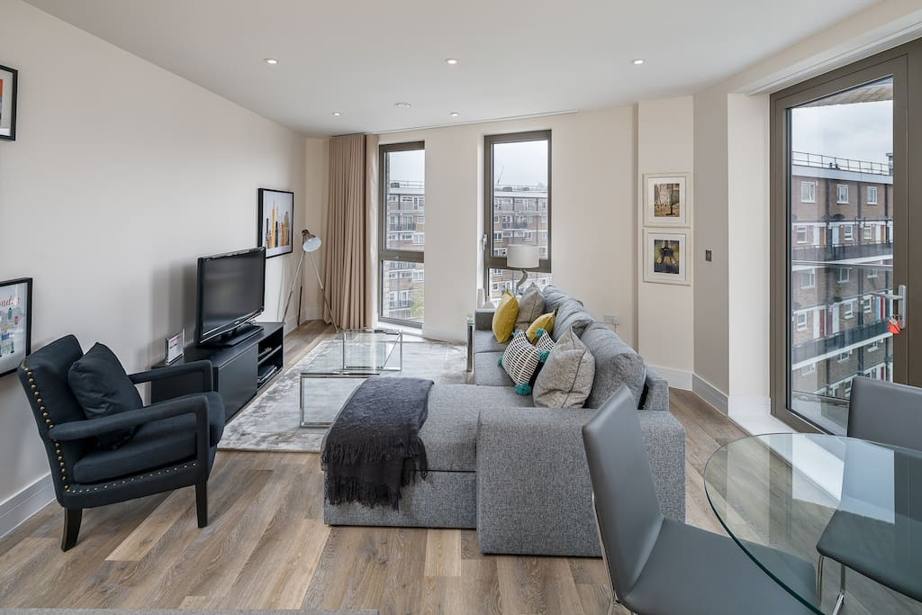 Fantastic spacious light living area