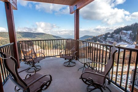 Mountainside Slopeside Home - Sandpoint - Talo