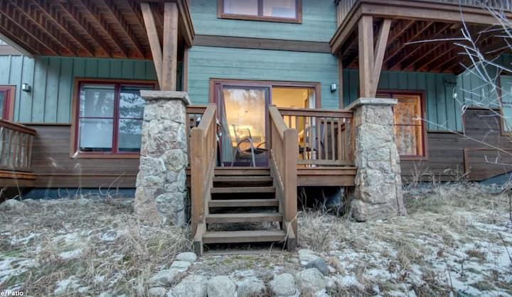 Work Remotely: Keystone Mountainside Retreat