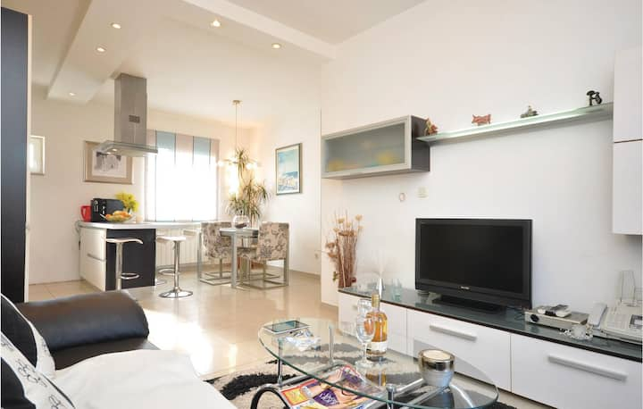 Holiday apartment 89 m² in Supetar