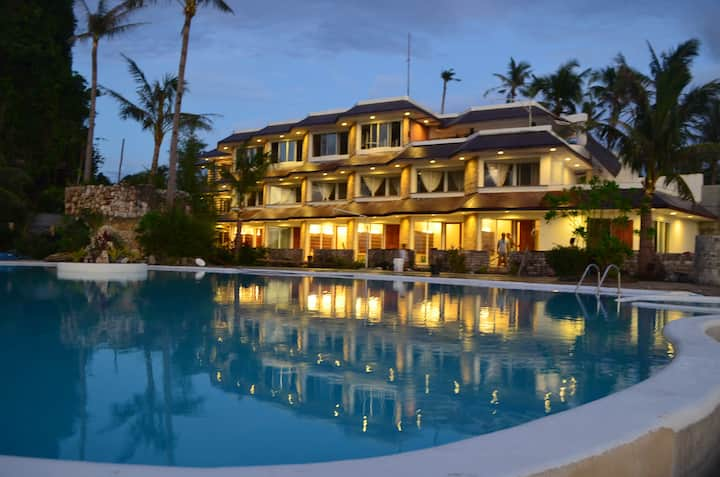 Resort/Hotel with seaview