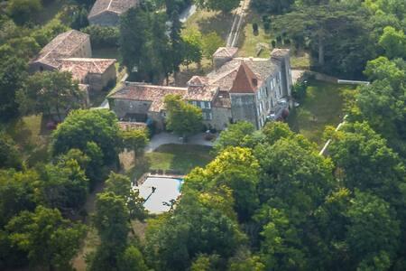 Château du 16ème siècle, avec une grande piscine. - Falga