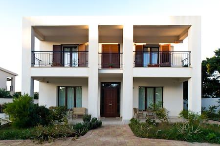 Villa Beach Studio ideal position - Casa Santa