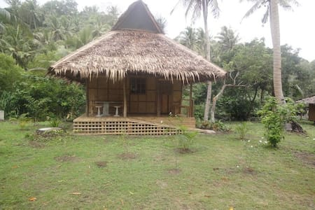 Sampaguita Hut - 1 or 2 bedrooms next to the sea - 小屋