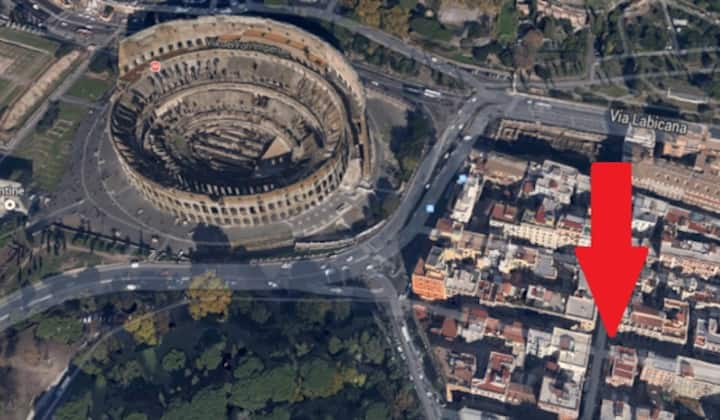 ROME 50 METERS FROM COLOSSEUM!
