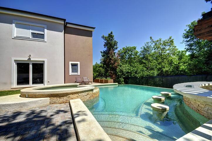 New Villa near Pula with pool - Vinkuran - House