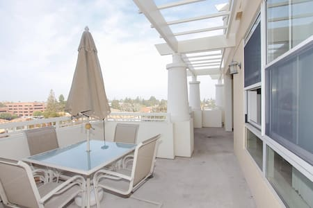Penthouse with View and location! - Cupertino - Wohnung