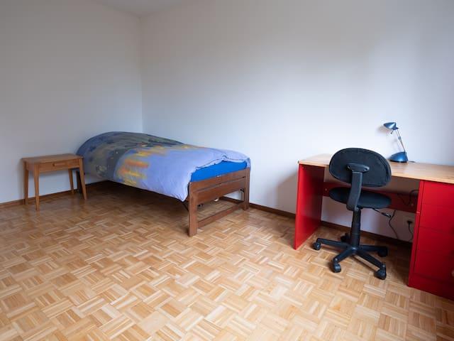Chambre meublée proche du centre de Lausanne