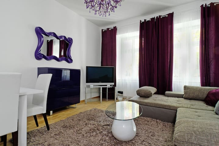 1.Grand central city apt. Mitte 4 rooms