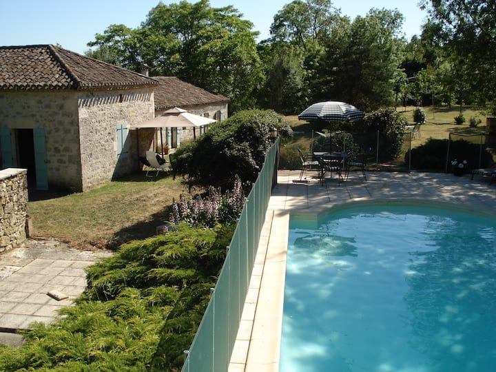 Rural stone house for 8 with own pool
