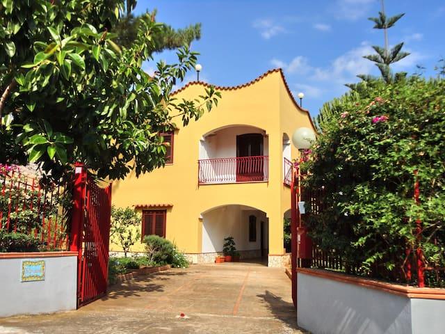 Appartamento in villa con giardino - Trabia - Wohnung