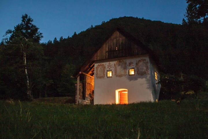 Peaceful Klavžar House - UNESCO Idrija - Vojsko - Бунгало