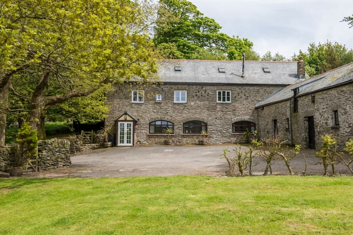 Peaceful Exmoor retreat for  friends  & families