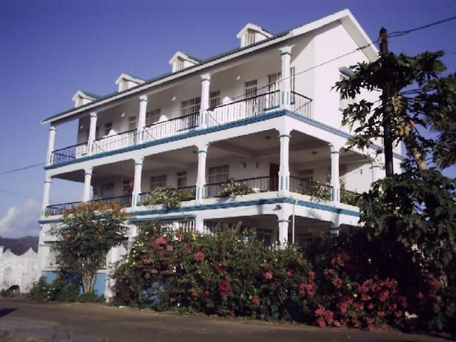 Le ravinal - Port Louis - Bed & Breakfast