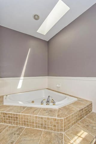 2017 Solar Eclipse Rooms for Rent in Charleston