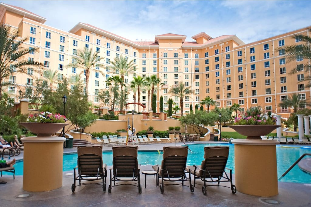 wyndham 2br 2ba behind mgm grand apartments for rent in